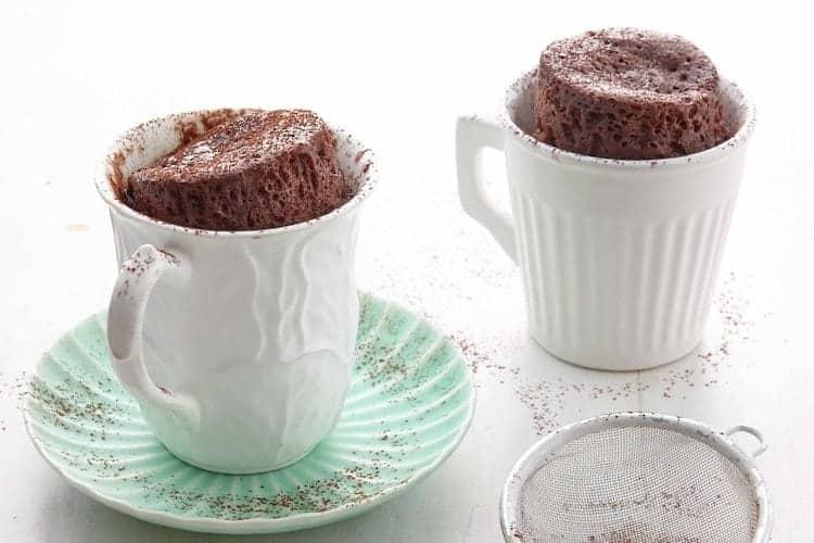 Chocoladecake in een mok