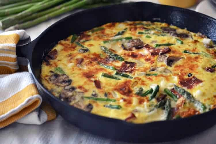 Frittata met asperges en champignon