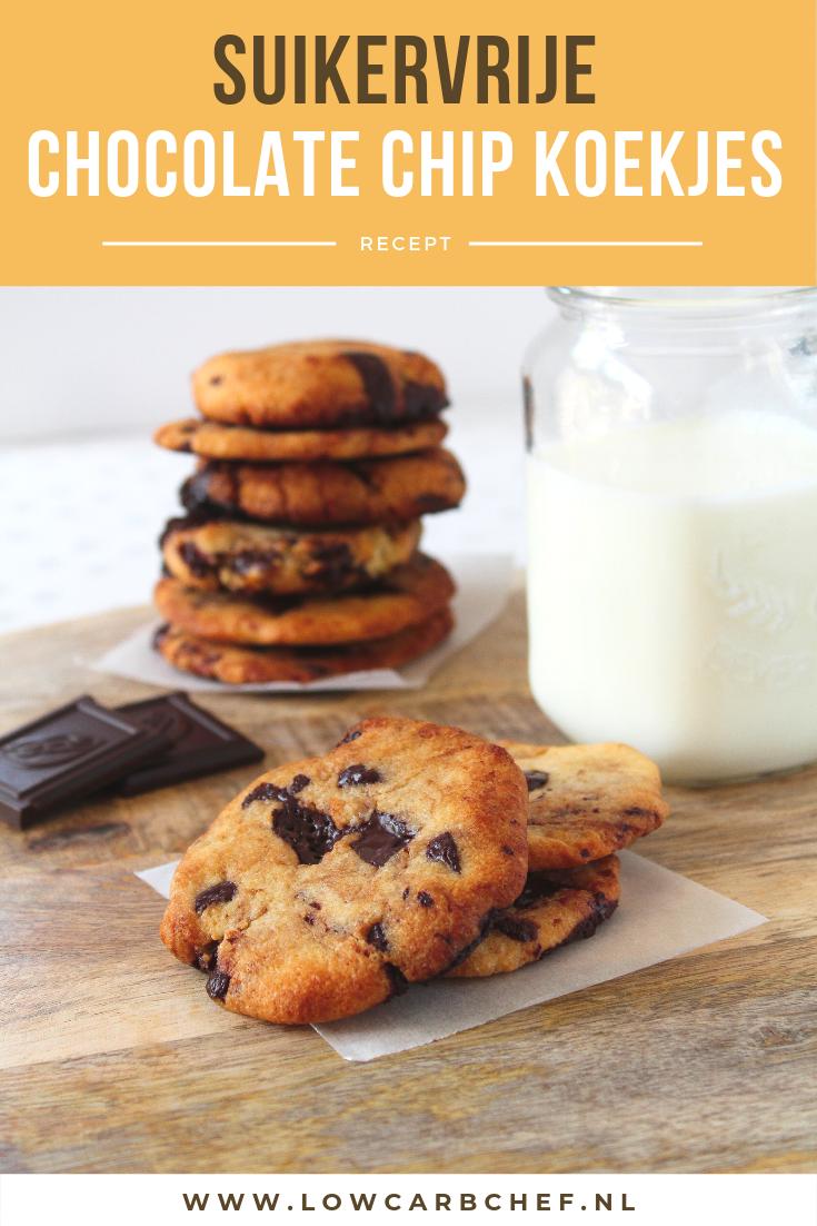 Als je dit recept voor suikervrije chocolate chip koekjes hebt geprobeerd wil je nooit meer anders! De koekjes zijn smeuïg van binnen en krokant van buiten. #koolhydraatarm #suikervrij #koekjes #chocolade