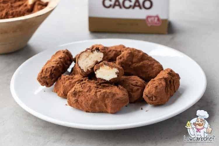 Slagroomtruffels met cacao.